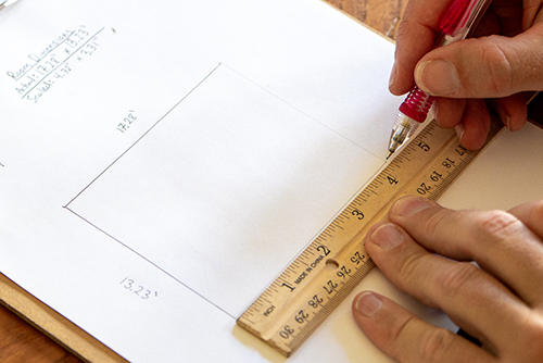 measuring dimensions of room